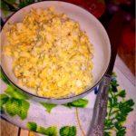 Pasta jajeczna z serem, prażoną cebulką i przyprawami
