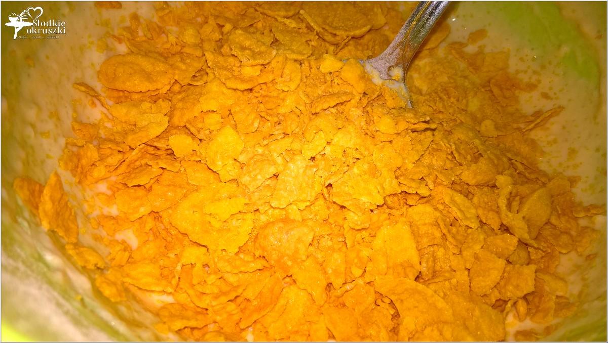 placuszki-z-platkami-kukurydzianymi-na-maslance-sniadanie-z-lubella-4
