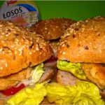 Zdrowe burgery rybne (z kotletem z łososia)