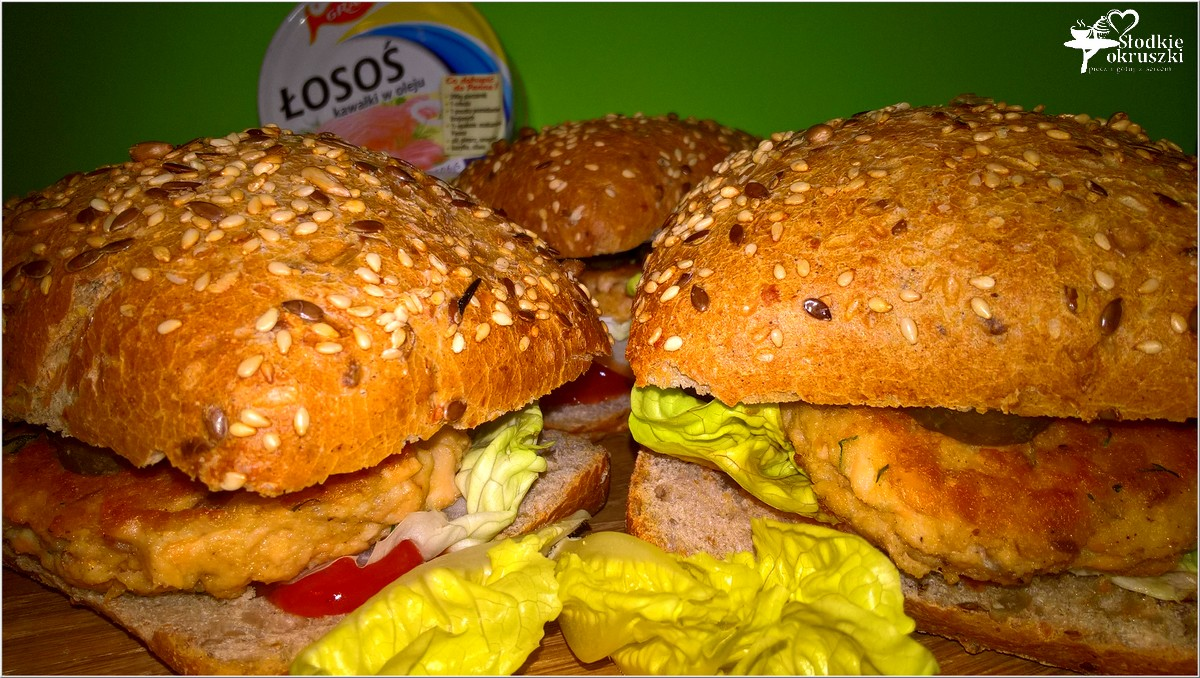 zdrowe-burgery-rybne-z-kotletem-z-lososia-1