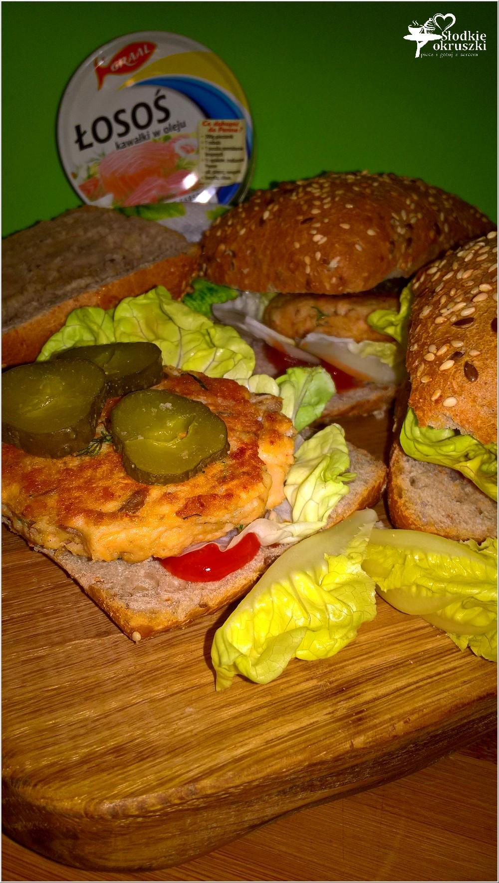 zdrowe-burgery-rybne-z-kotletem-z-lososia-4
