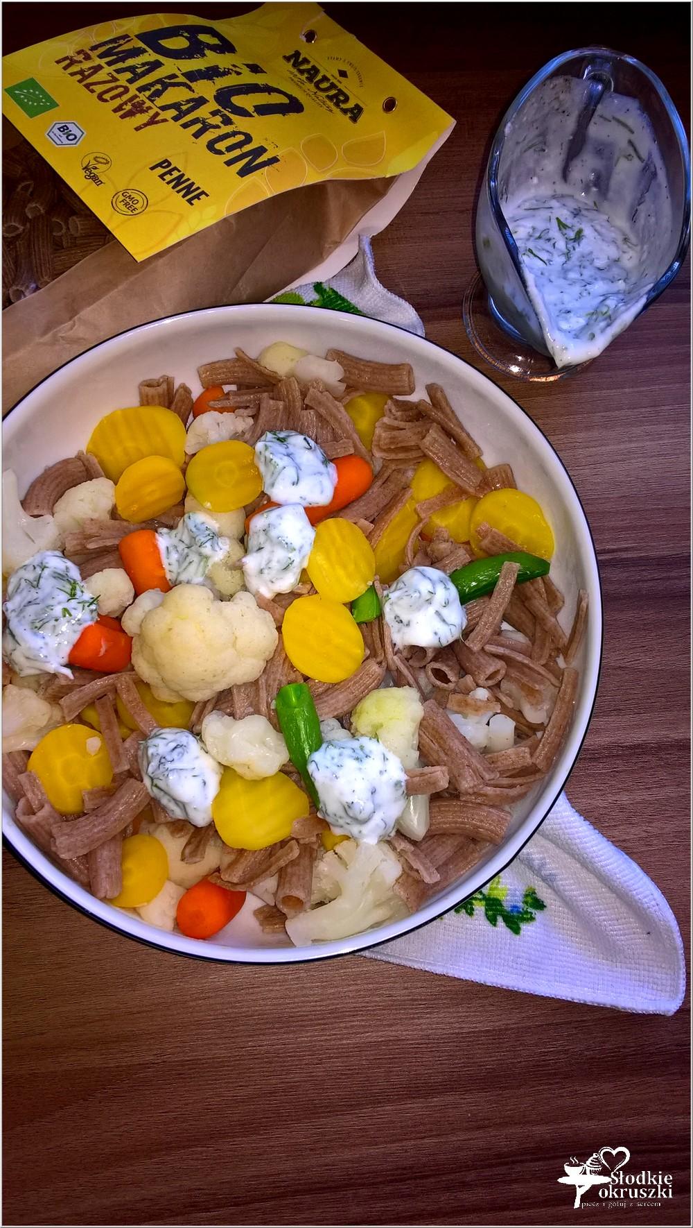 salatka-warzywno-makaronowa-w-lekkim-koperkowym-sosie-1