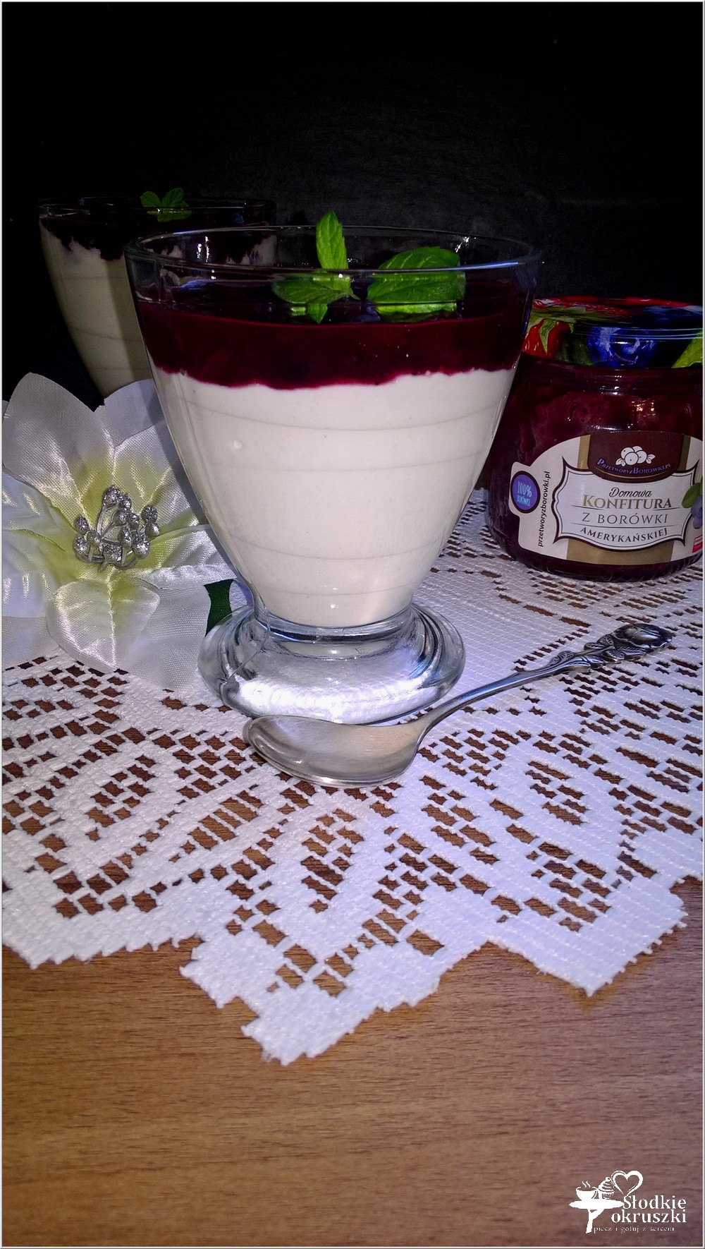 serniczki-na-zimno-z-konfitura-z-borowki