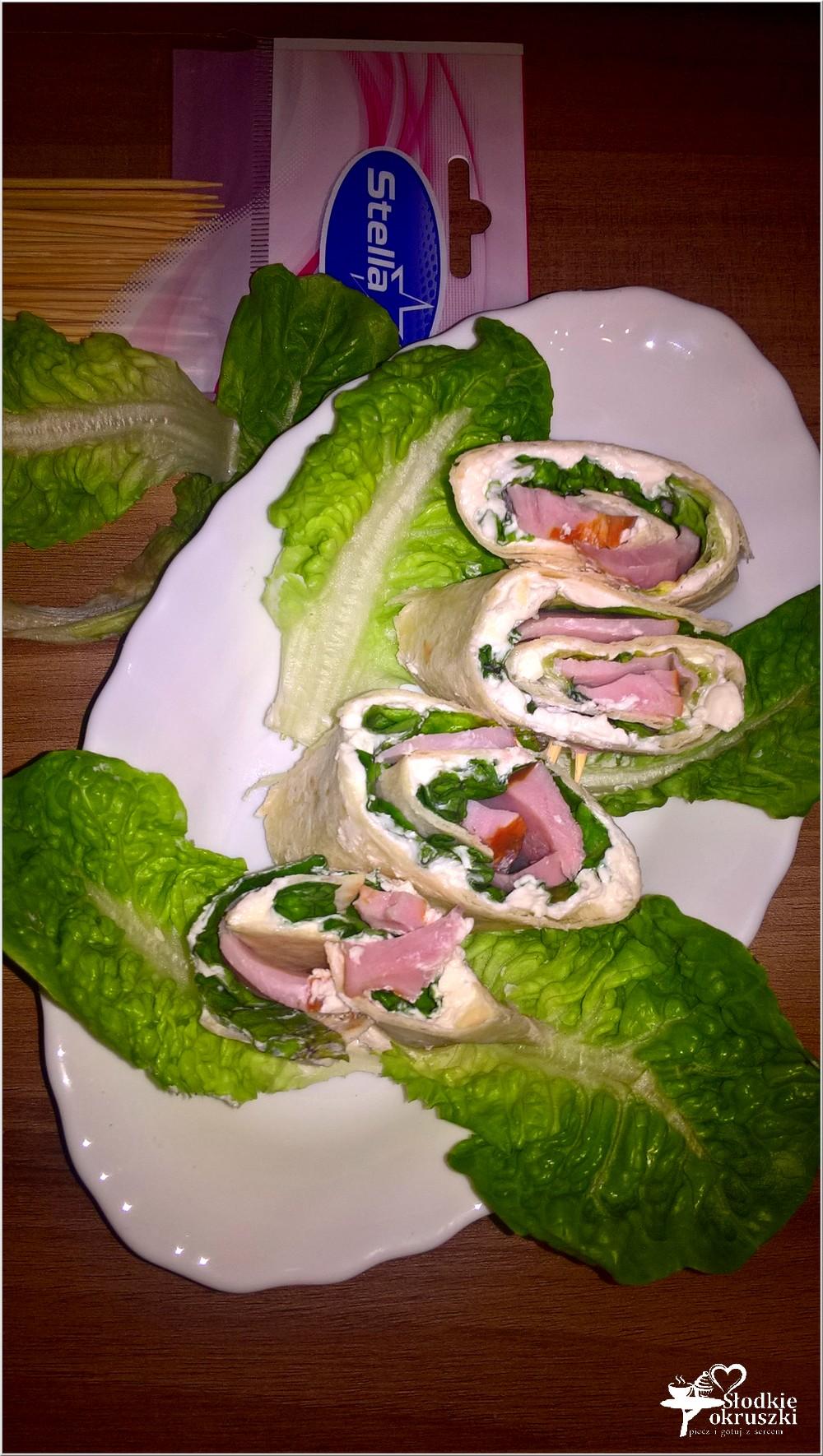 rollsy-z-chrzanowym-serkiem-wedlina-i-salata-2