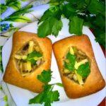 Zapiekane ciabatty nadziane pieczarkami w sosie kebab-gyros