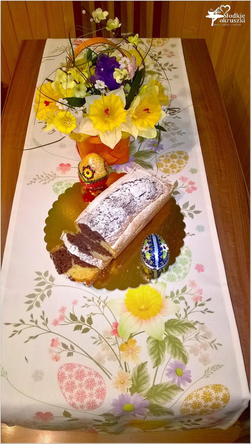 Babka waniliowo-kakaowa na świąteczny stół