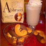Domowa kawa orzechowa i pyszne ciasteczko