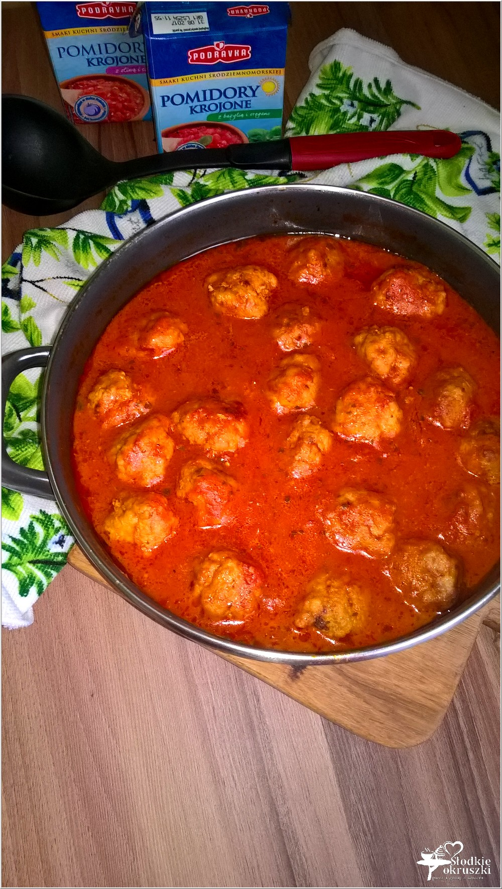 Klopsiki w aromatycznym pomidorowym sosie (2)