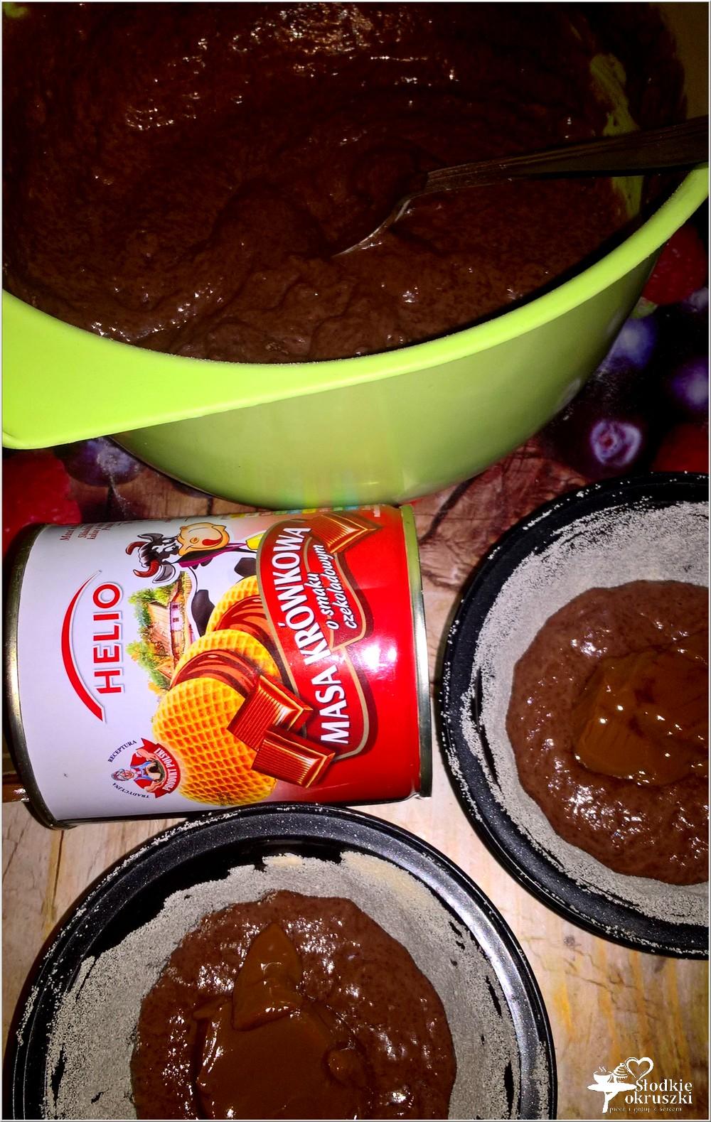 Mini babki z czekoladową krówką (4)