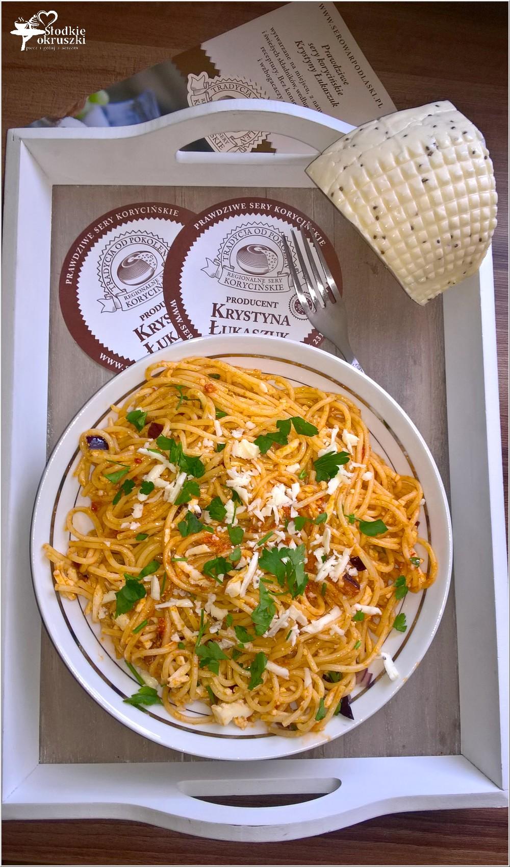 Spaghetti w pomidorowym pesto z serem korycińskim (4)