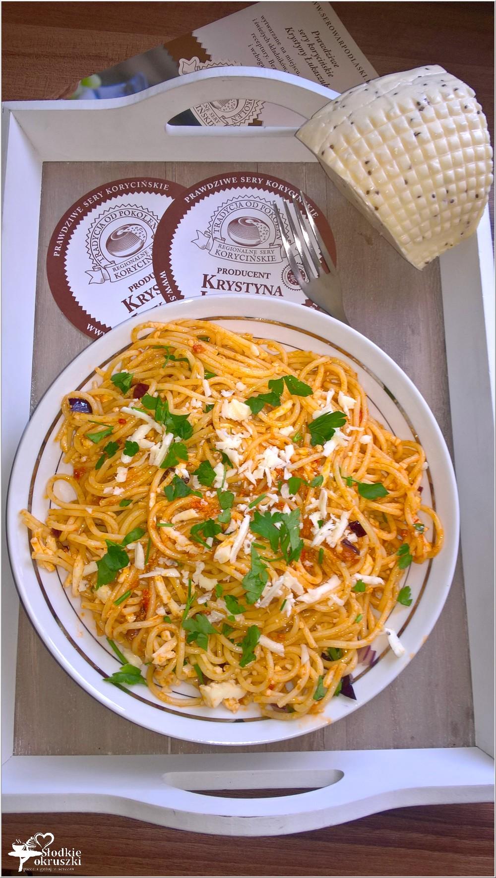 Spaghetti w pomidorowym pesto z serem korycińskim (6)