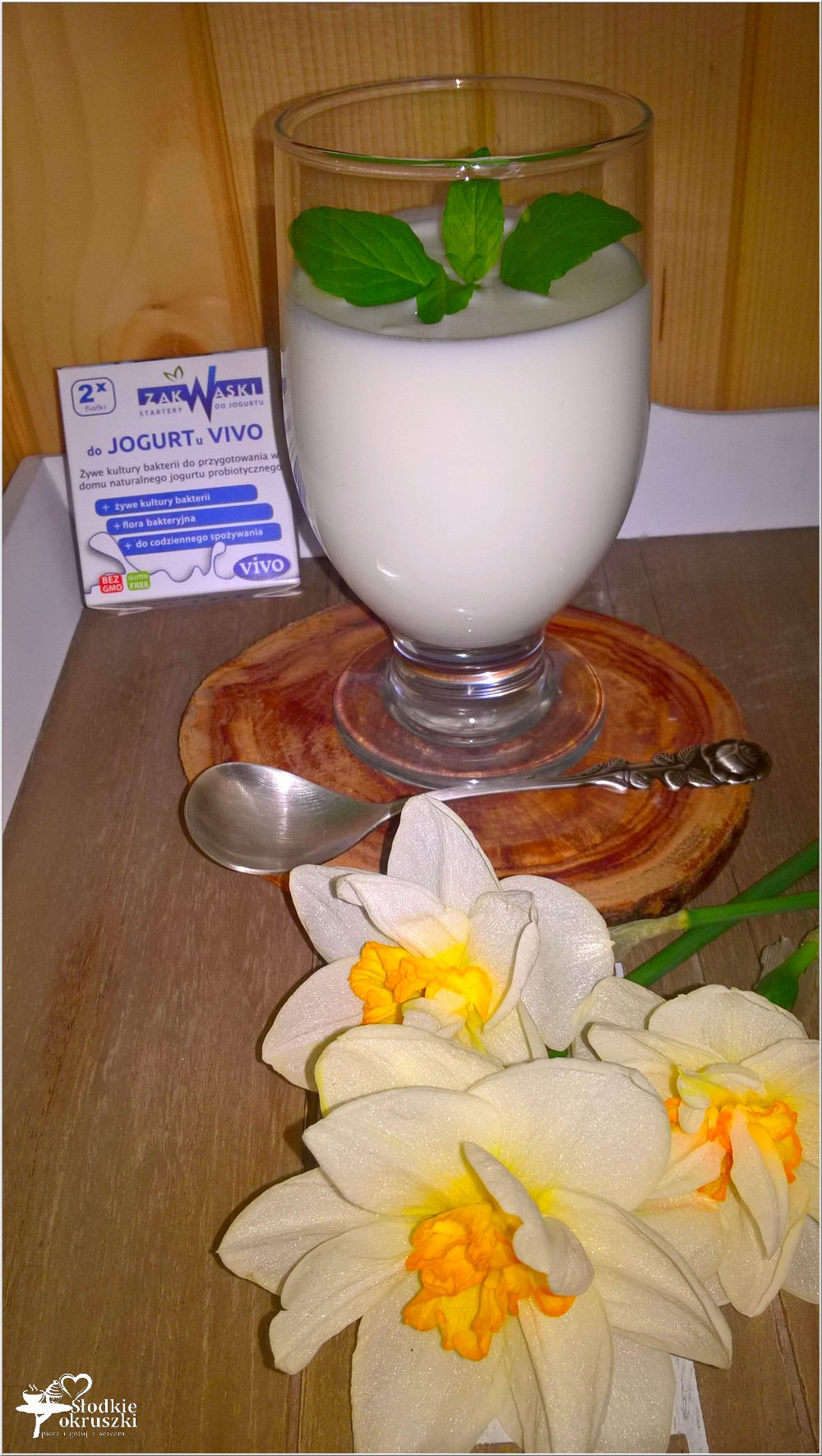 Jak zrobić klasyczny domowy jogurt (1)