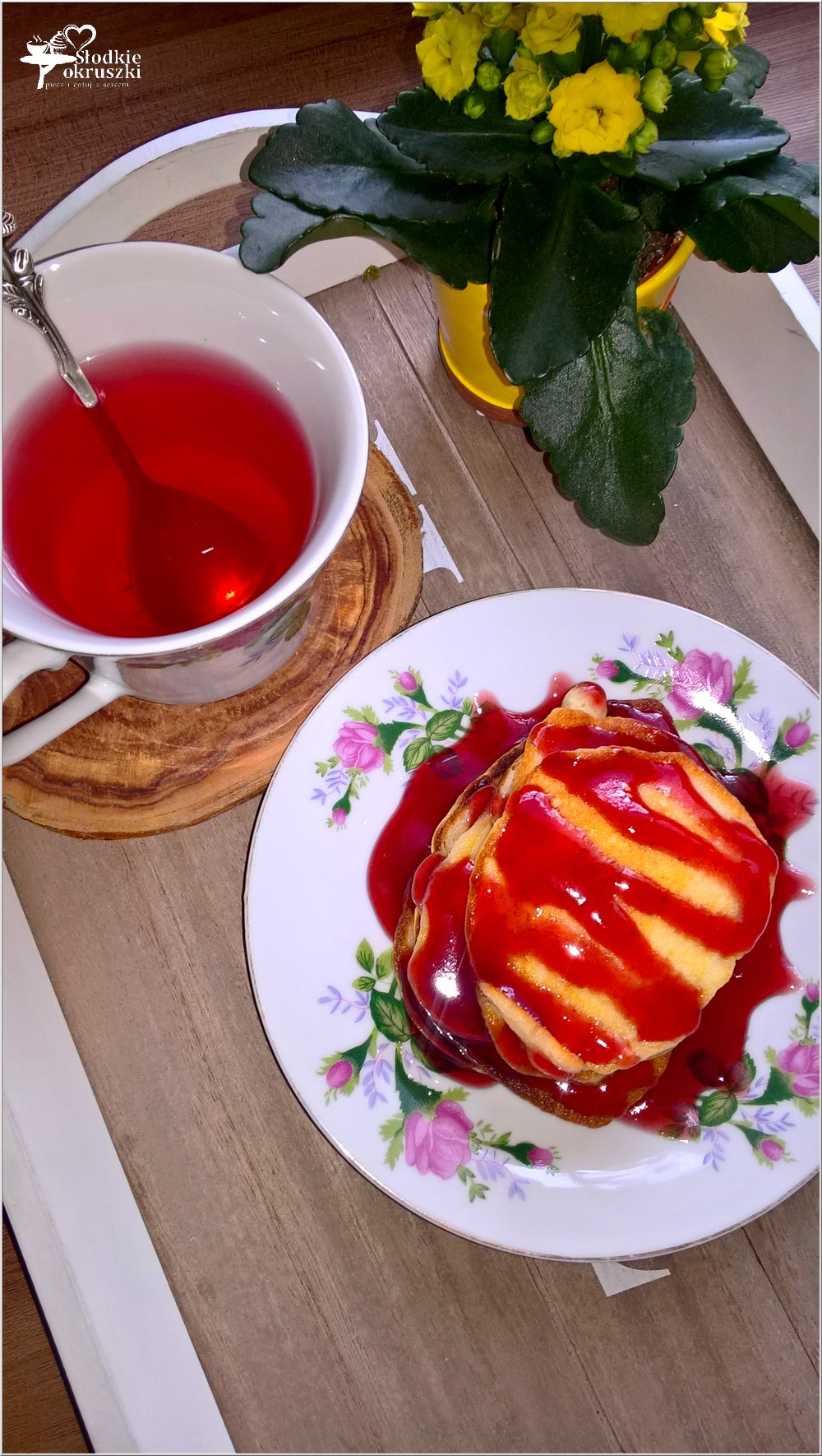 Serowe placuszki z sosem wiśniowym (1)