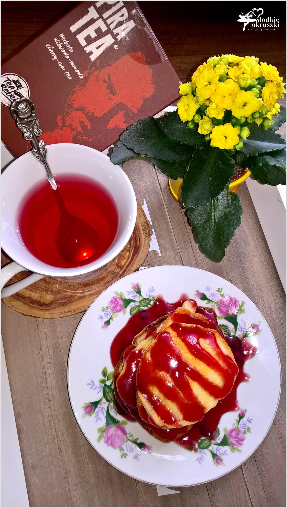 Serowe placuszki z sosem wiśniowym (2)