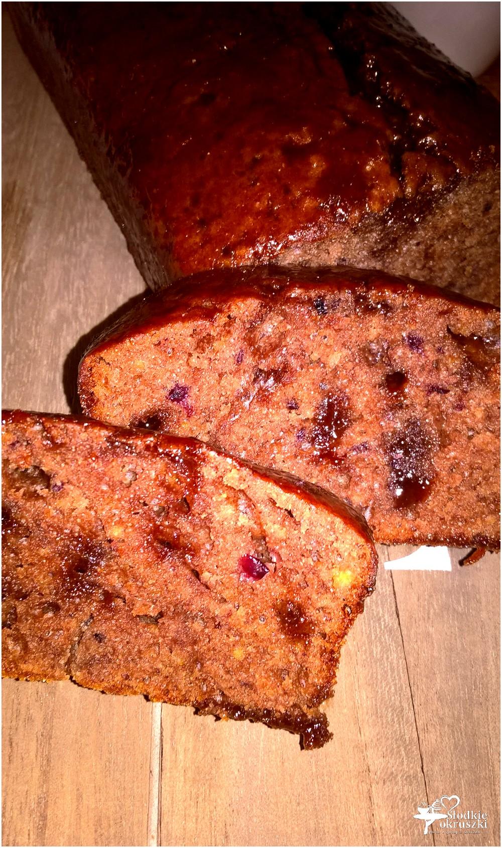 Wilgotne ciasto czekoladowo-owocowe (szybkie) (3)