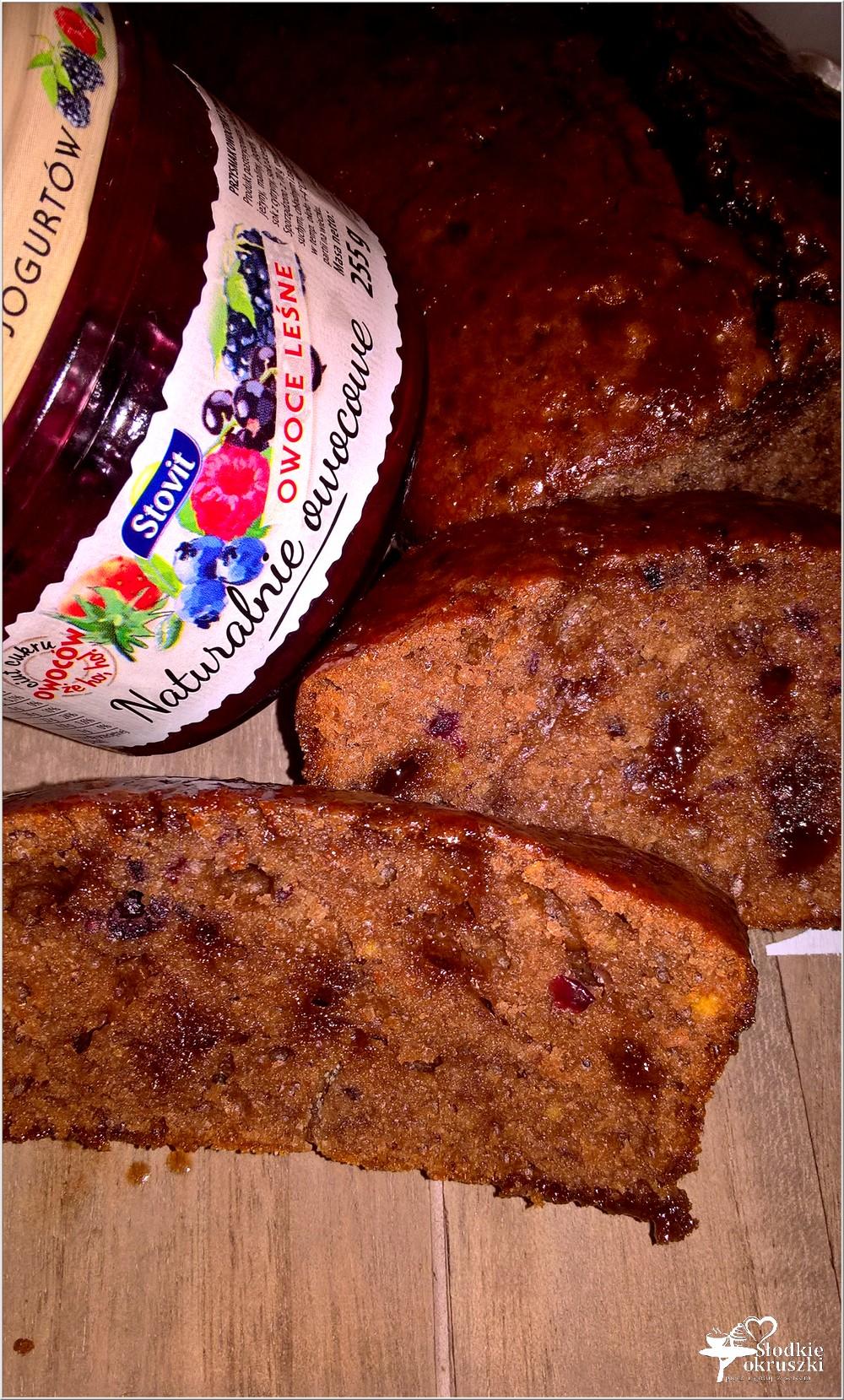 Wilgotne ciasto czekoladowo-owocowe (szybkie) (4)