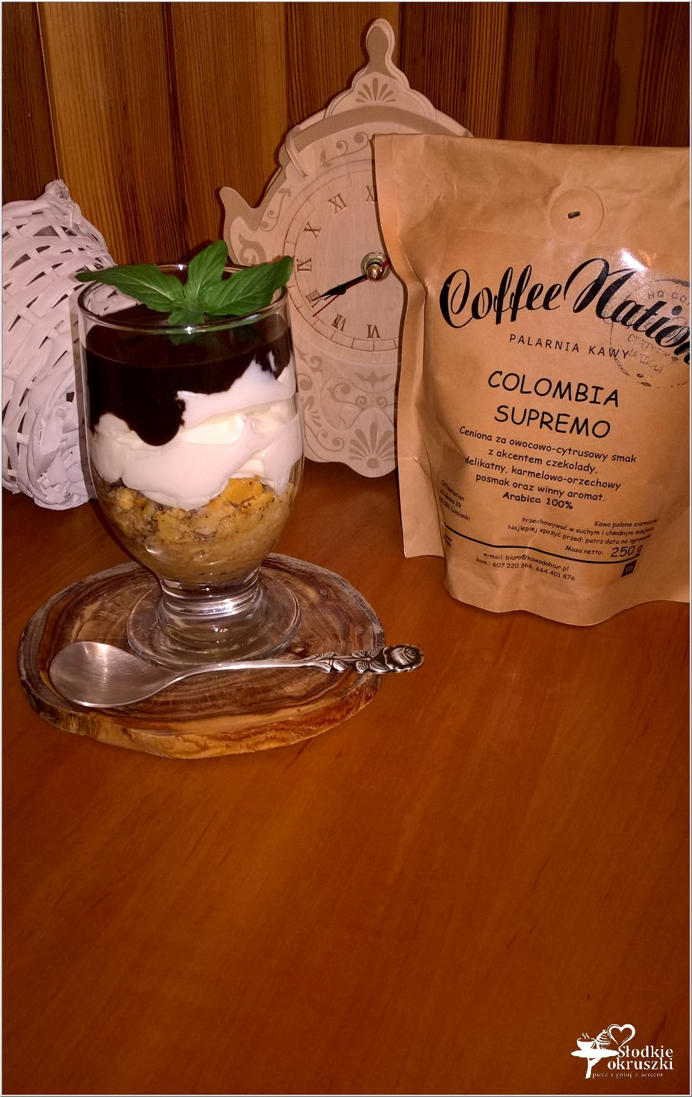 Kremowy deser z amaretto warstwą kawową i czekoladą (4)