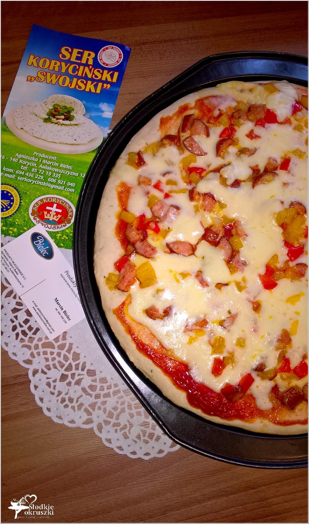 Pizza dwa sery z kiełbasą sycylijską (3)