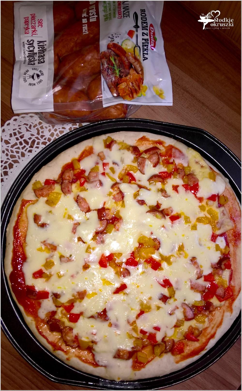 Pizza dwa sery z kiełbasą sycylijską (4)