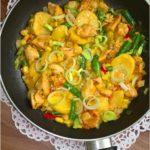 Szybki kurczak z warzywami w dessingu 1000 wysp