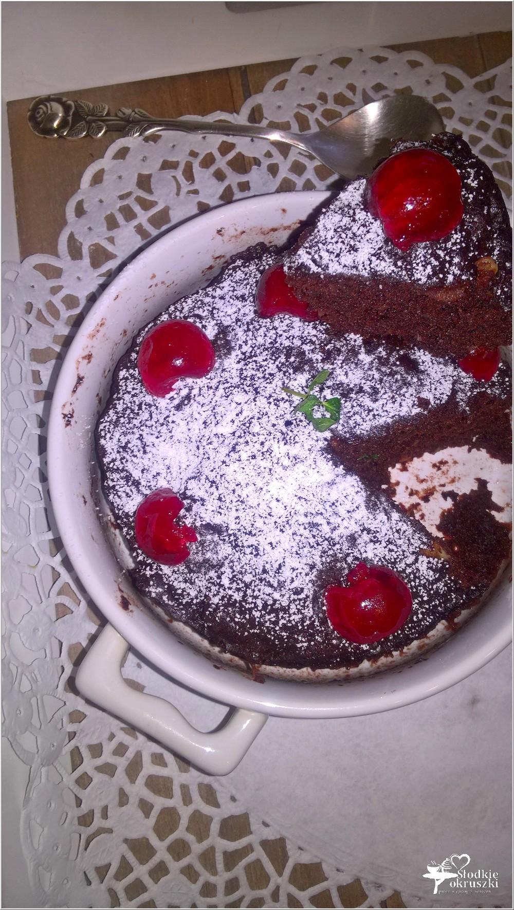 Czekoladowo-jabłkowe ciasto 3 minutowe. Mini ciasto (2)