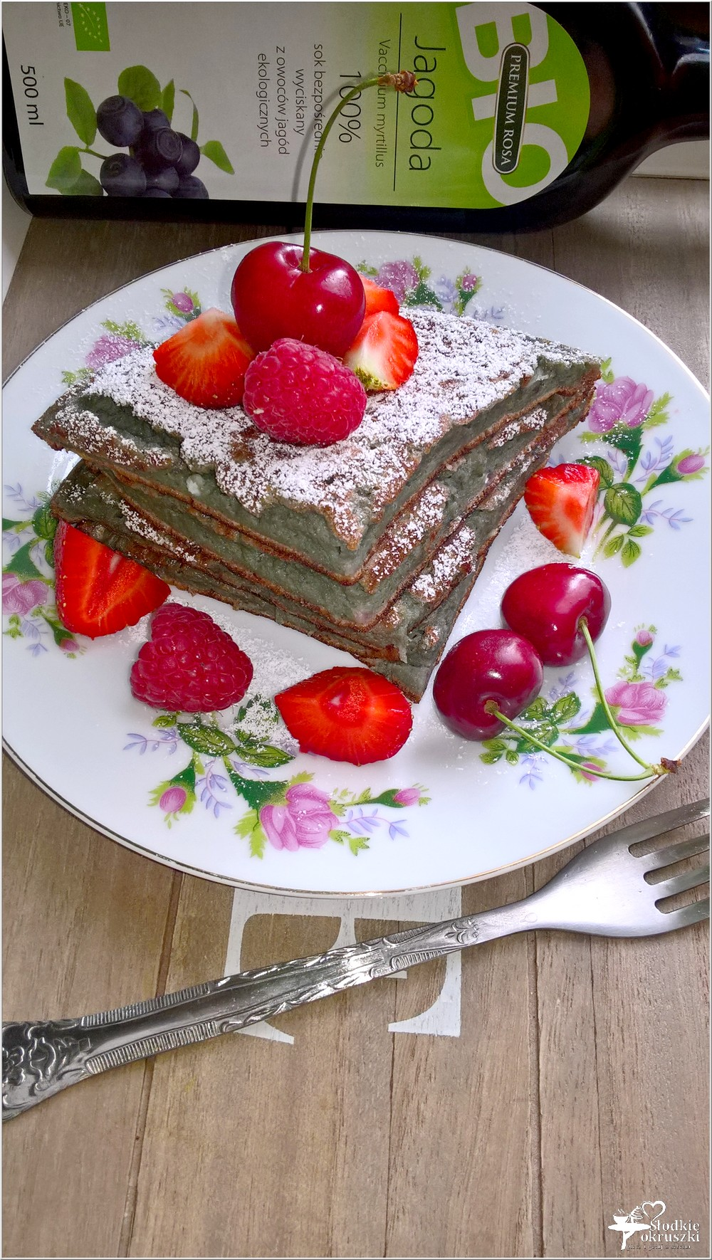 Jagodowy omlet śniadaniowy (z owocami lata) (4)