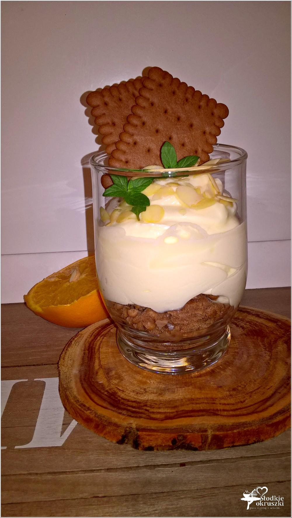 Krem pomarańczowy z kakaowym ciasteczkiem