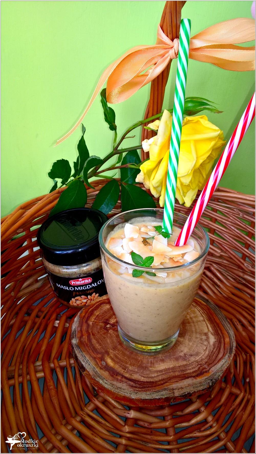 Kremowe owocowo migdałowe smoothie (3)