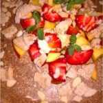 Letni deser owocowy z syropem klonowym