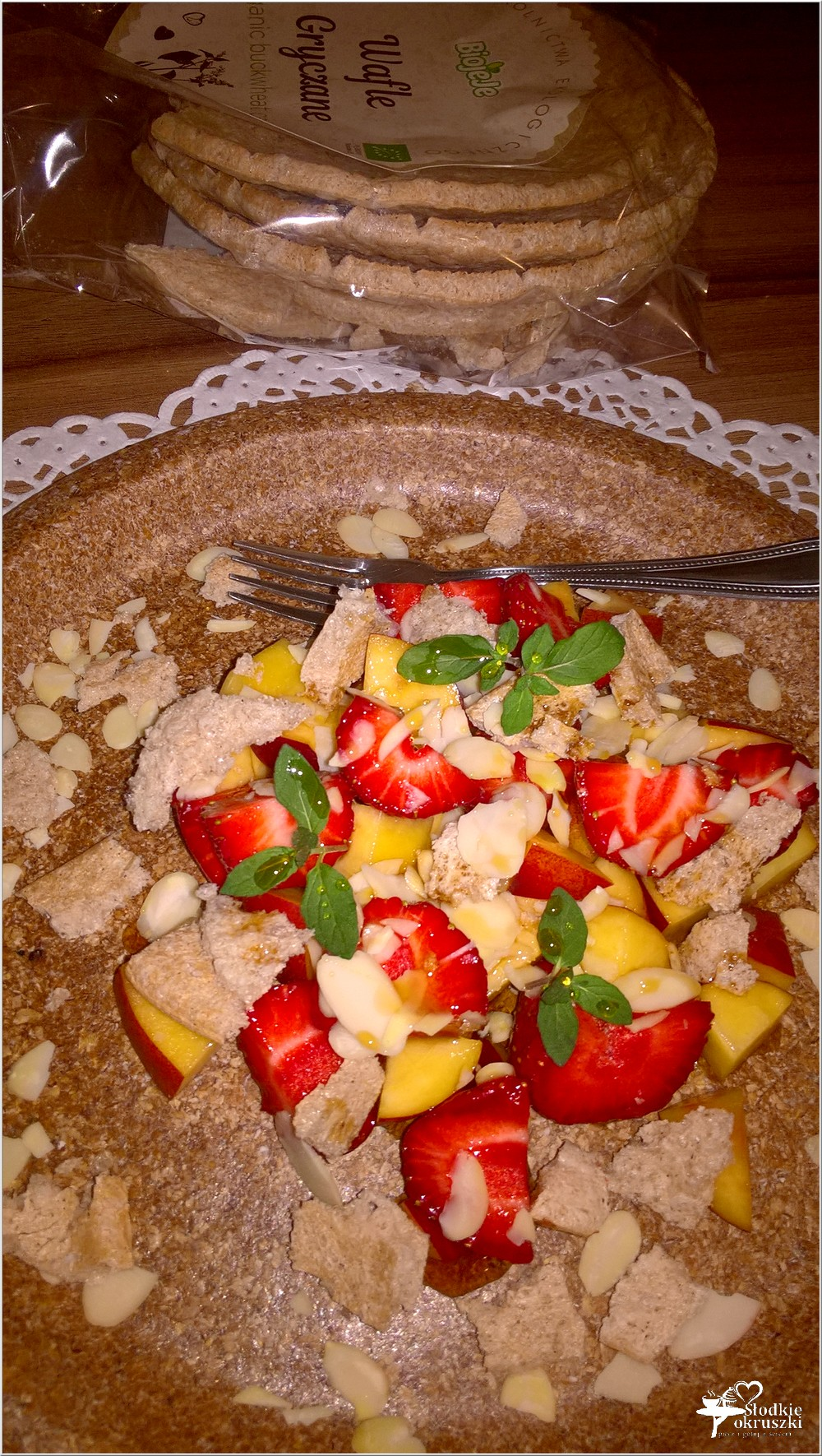 Letni deser owocowy z syropem klonowym (2)