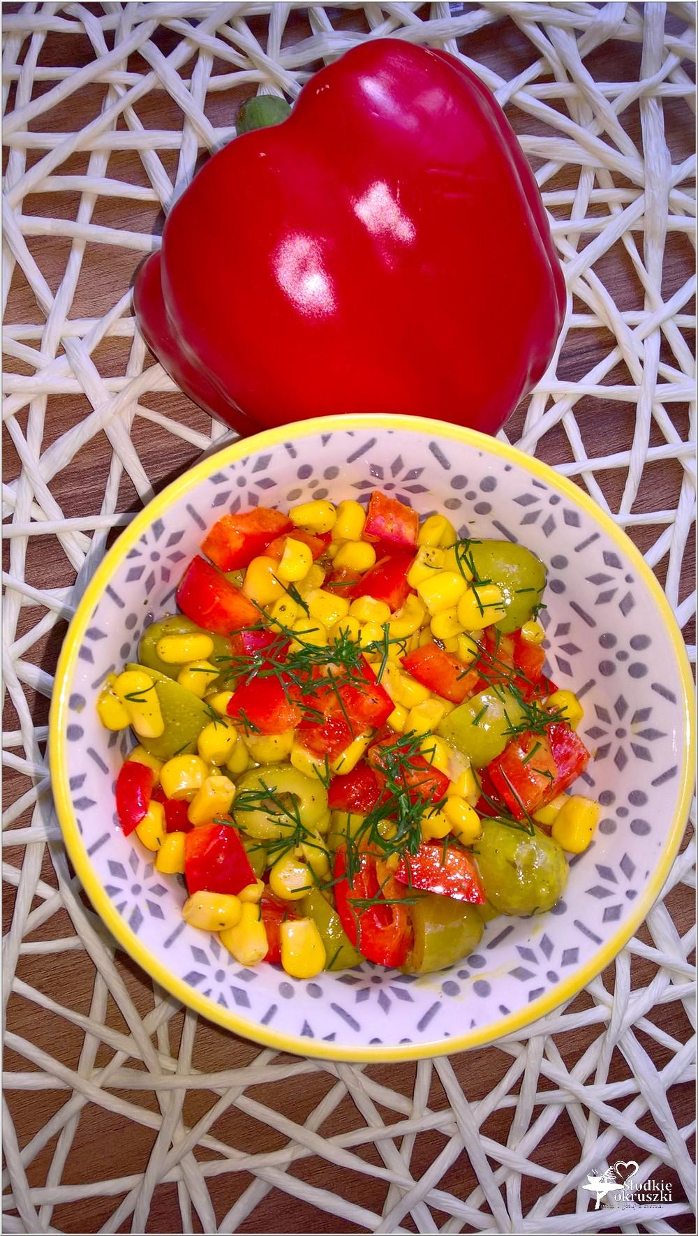 Błyskawiczna sałatka z oliwkami (1)