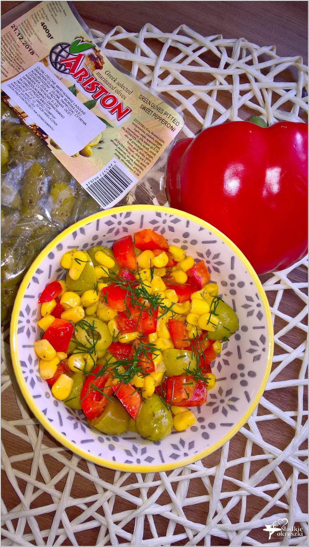 Błyskawiczna sałatka z oliwkami (2)