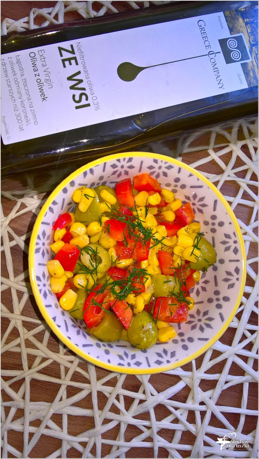 Błyskawiczna sałatka z oliwkami (3)