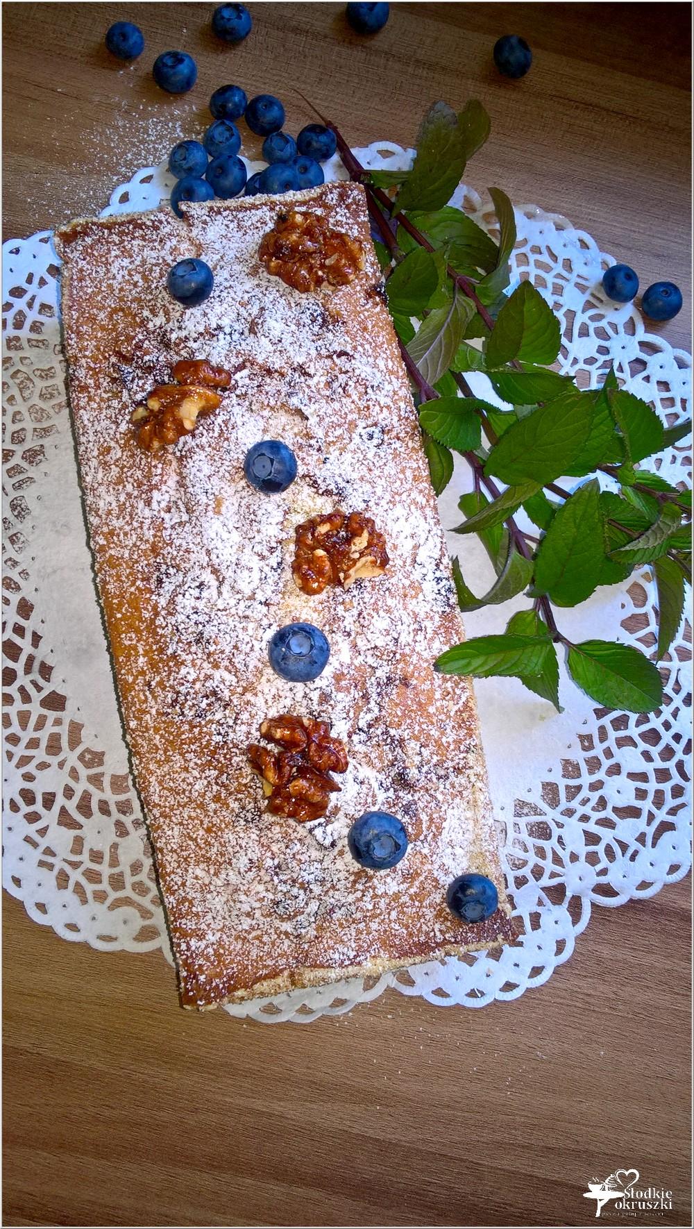 Ciasto z jagodami i orzechami włoskimi w karmelu (bez miksera) (5)