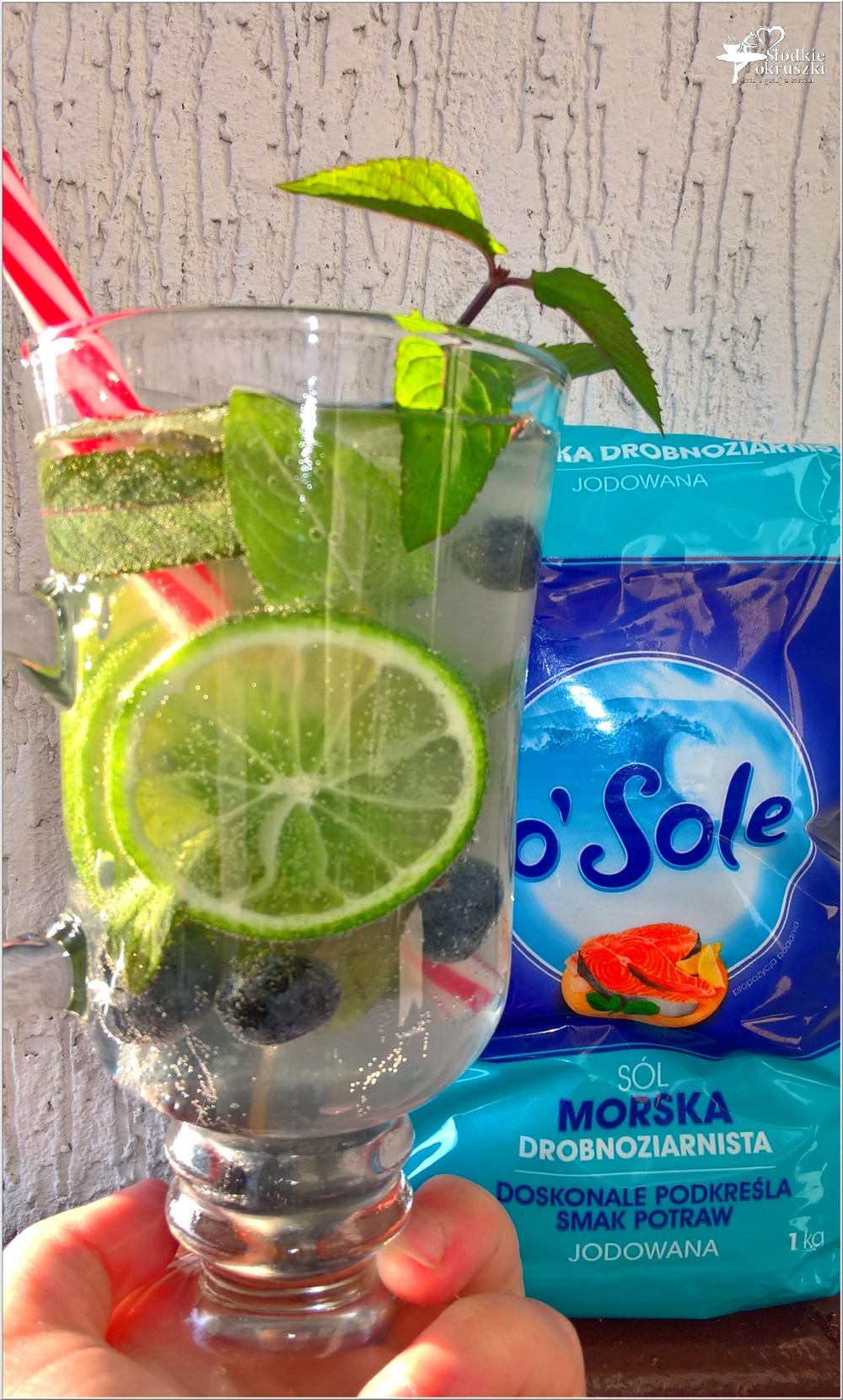 Domowy napój izotoniczny limonka-borówki-mięta (2)