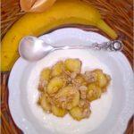 Delikatny deser z bananem w kokosowej nucie