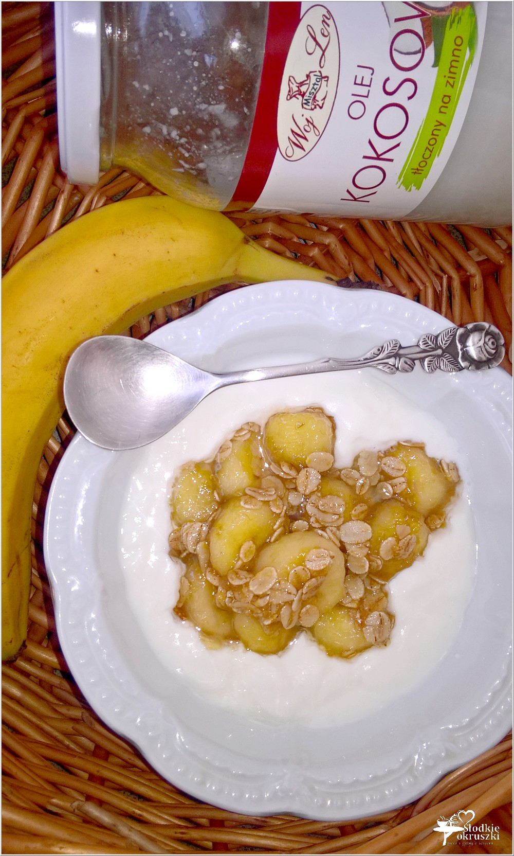Delikatny deser z bananem w kokosowej nucie (2)