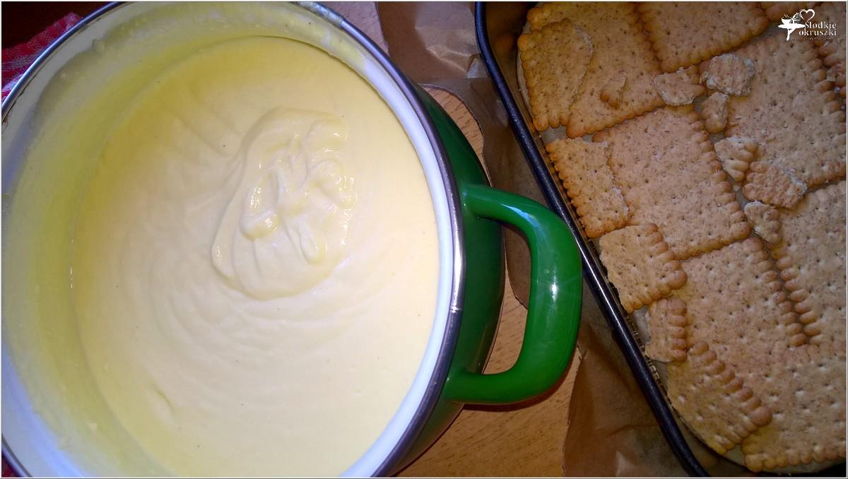 Gotowany waniliowo - śmietankowy sernik (na herbatnikach) (8)