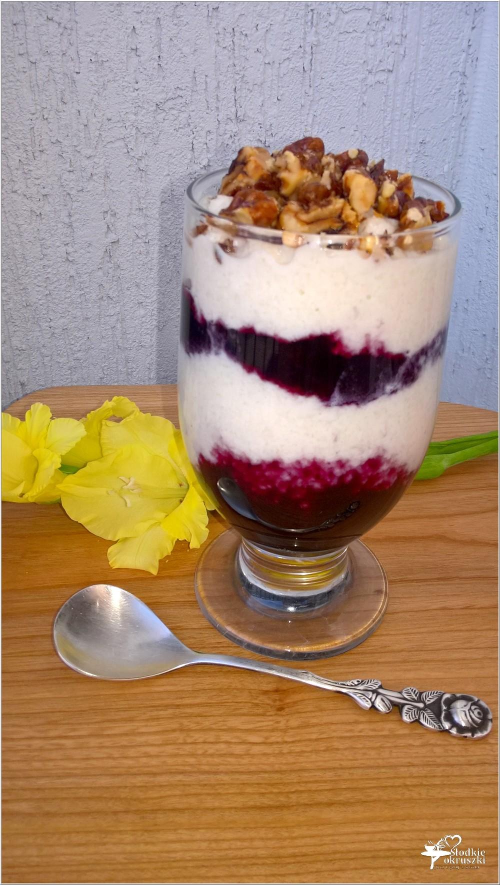 Szybki jagodowo-ryżowy pudding z karmelowymi orzechami (3)