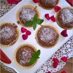 Czekoladowo-malinowe babeczki (z liofilizowanymi owocami)