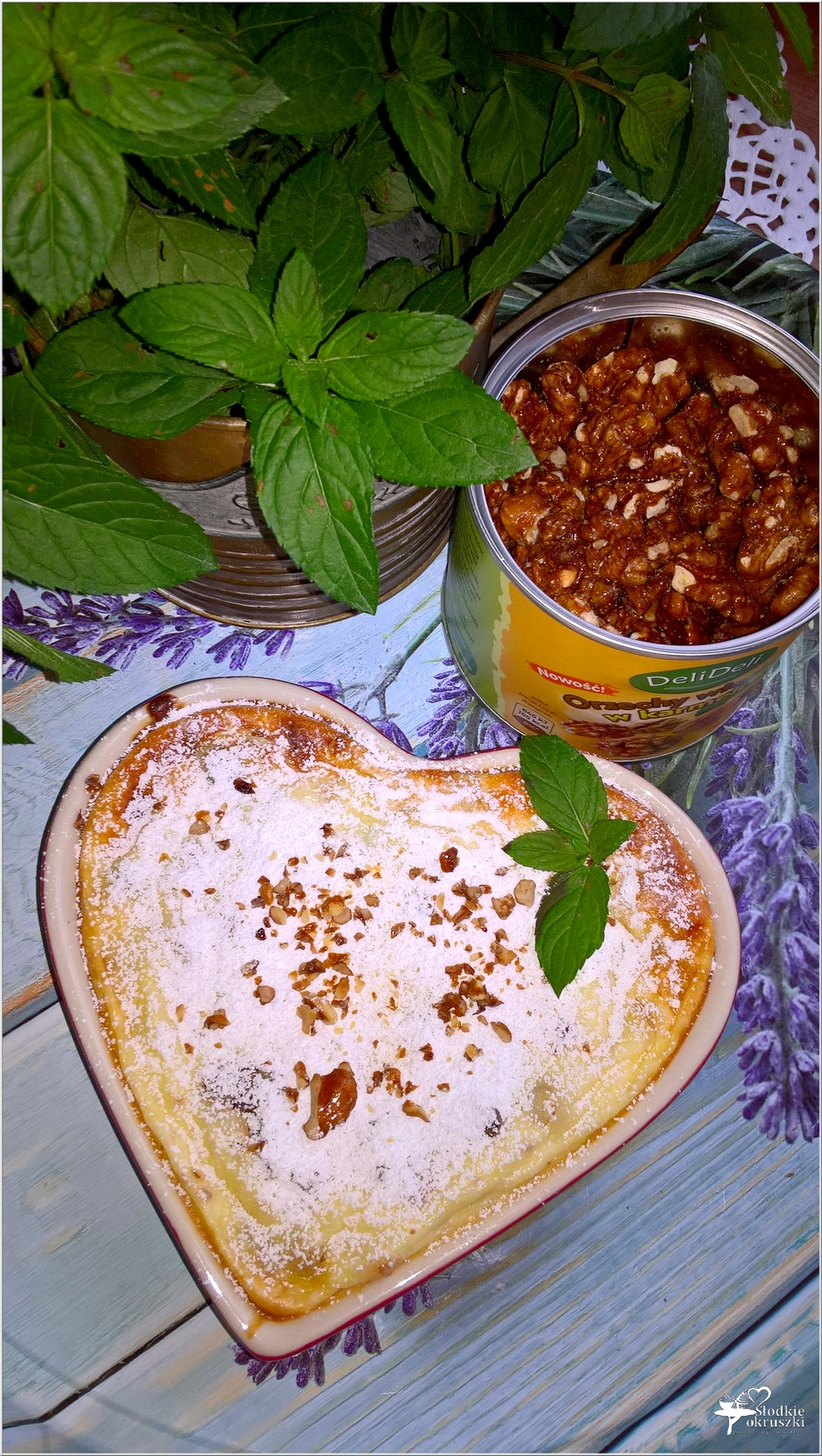 Pieczony serniczek z orzechami włoskimi i kandyzowaną skórką (2)