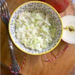 Szybka sałatka z pora z bazyliową nutą