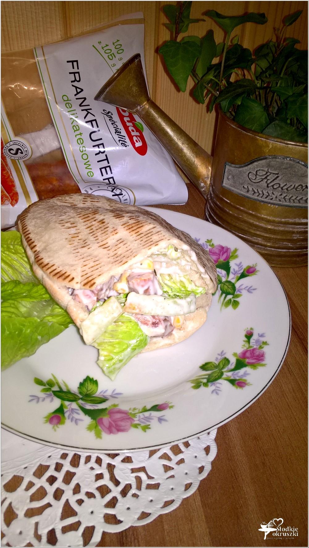 Szybki obiad. Pita z frankurterkami w domowym sosie (2)