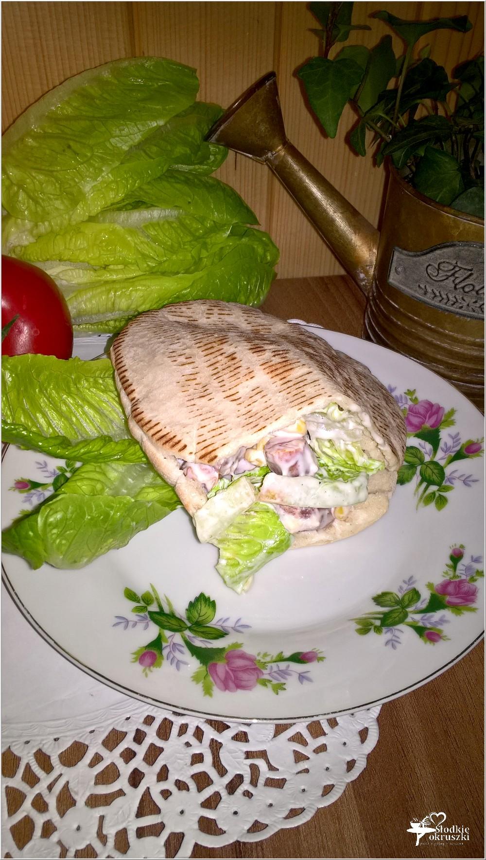 Szybki obiad. Pita z frankurterkami w domowym sosie (4)