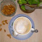 Karmelowa kawa z cynamonową pianką