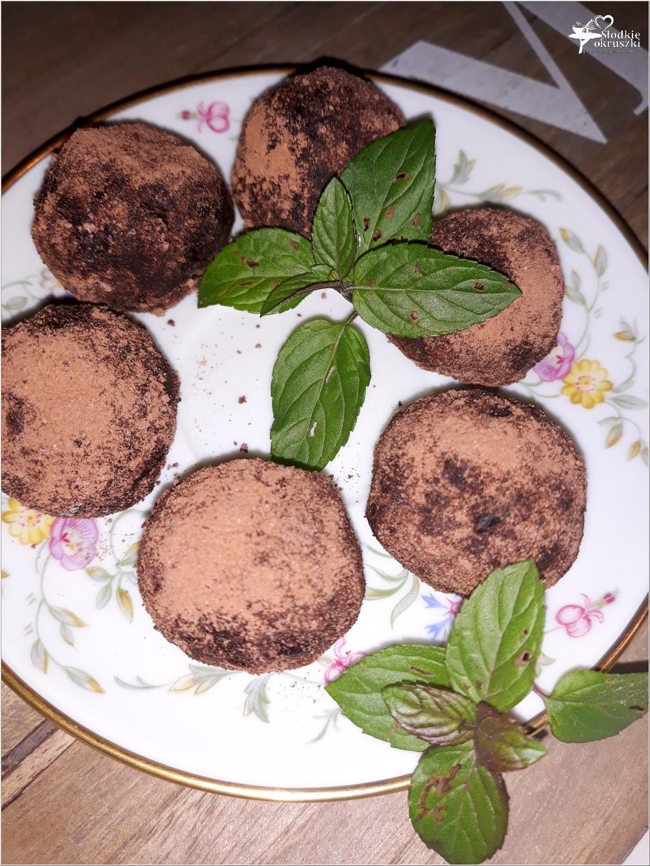 Kokosowo-kakaowe kuleczki daktylowe (zdrowe słodkości) (3)