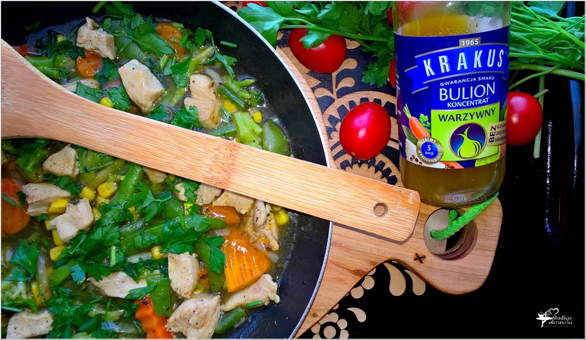 Kurczak w rozgrzewającym warzywnym sosie (2)