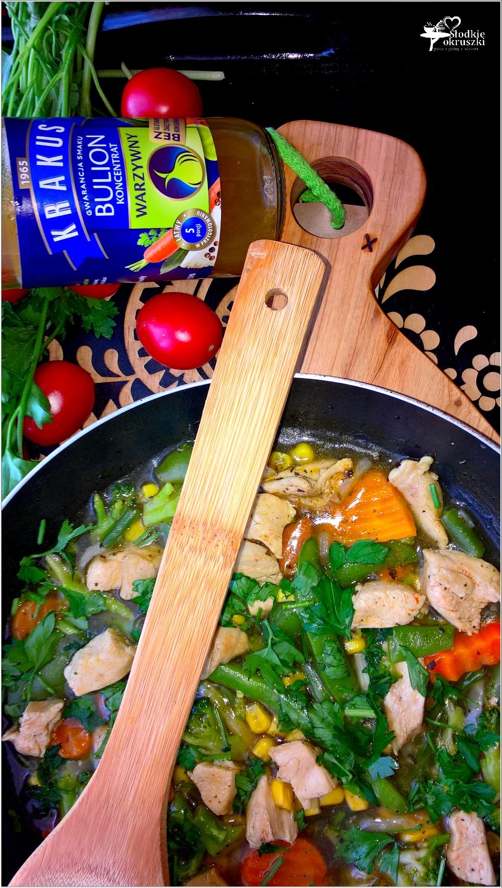 Kurczak w rozgrzewającym warzywnym sosie (3)