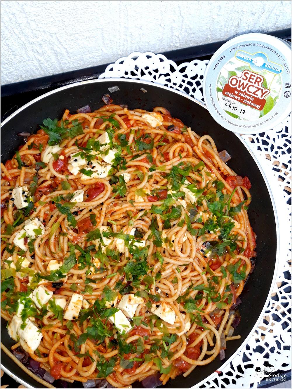 Spaghetti w paprykowo-pomidorowym sosie z serem owczym od Owcza Kraina (3)
