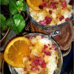 Szybki deser ryżowy z ananasem, pomarańczą i syropem klonowym